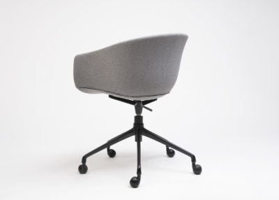 Swivel Bai chair with wheels